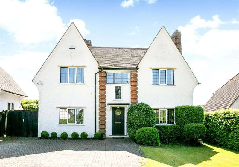 4 Bedrooms Detached House for sale in Eskdale Avenue, Chesham, Buckinghamshire, HP5