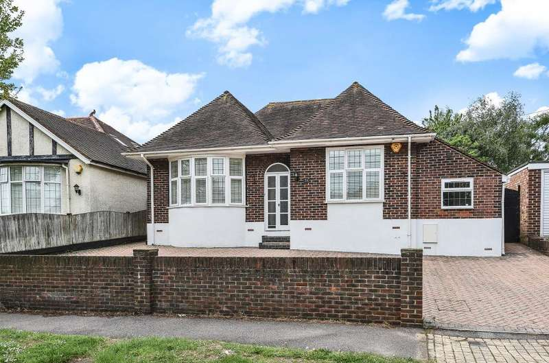 4 Bedrooms Detached House for sale in Benfield Way, Portslade, East Sussex, BN41 2DL