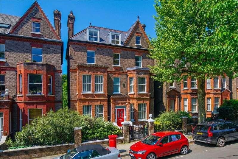 5 Bedrooms Detached House for sale in Netherhall Gardens, Hampstead, London, NW3