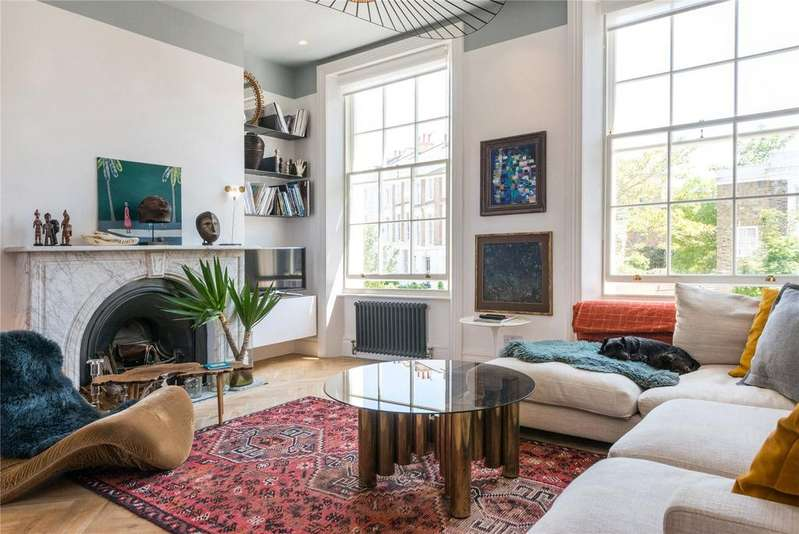 3 Bedrooms Maisonette Flat for sale in Torriano Avenue, Kentish Town, London