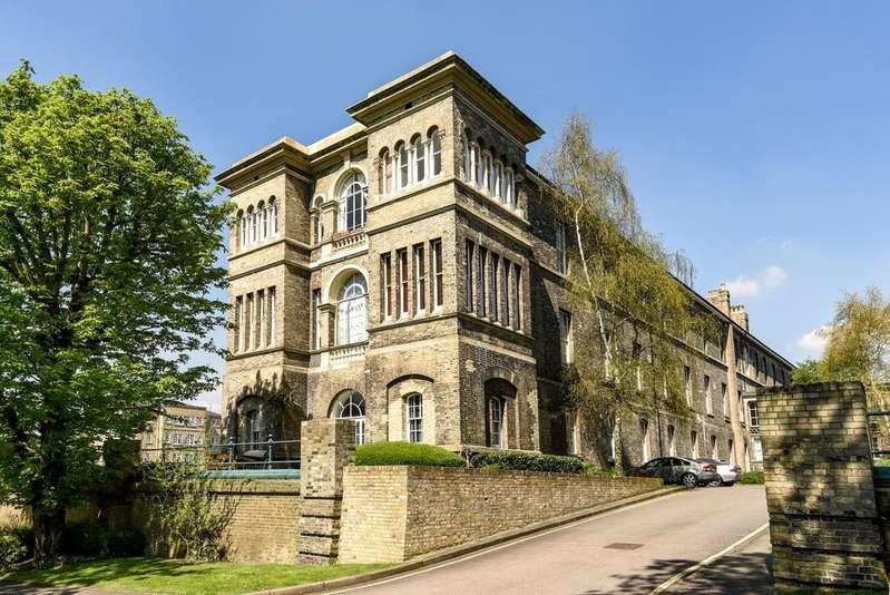 2 Bedrooms Flat for sale in Royal Herbert Pavilions London SE18
