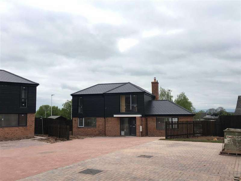 4 Bedrooms Detached House for sale in Holmer, Hereford