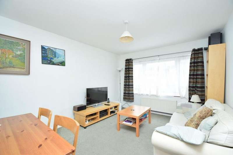 1 Bedroom Flat for sale in Puget Court, Dale Grove, North Finchley, N12