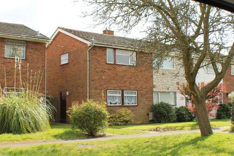 2 Bedrooms Semi Detached House for rent in Dorothy Sayers Drive, Witham, CM8