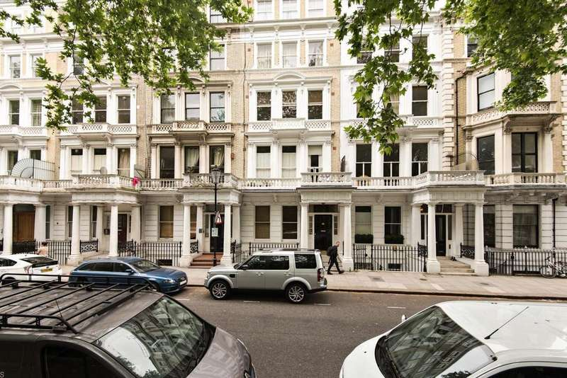 1 Bedroom Flat for sale in Courtfield Gardens, Earls Court