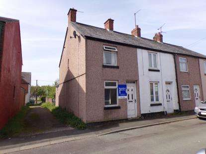 Terraced House for sale in Gladstone Street, Mold, Flintshire, CH7