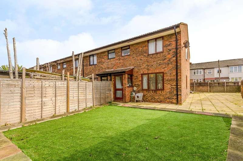 4 Bedrooms Terraced House for sale in Mafeking Road, Canning Town, E16