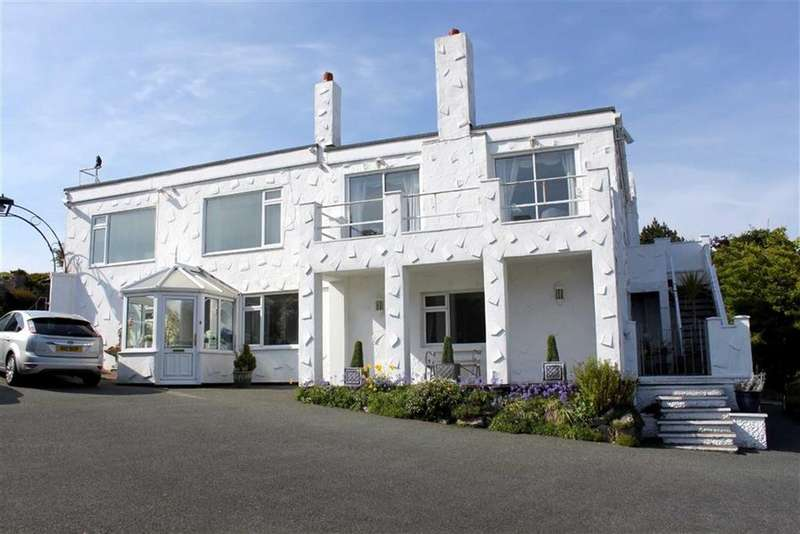 6 Bedrooms Detached House for sale in Colwyn Road, Craigside, Llandudno, Conwy