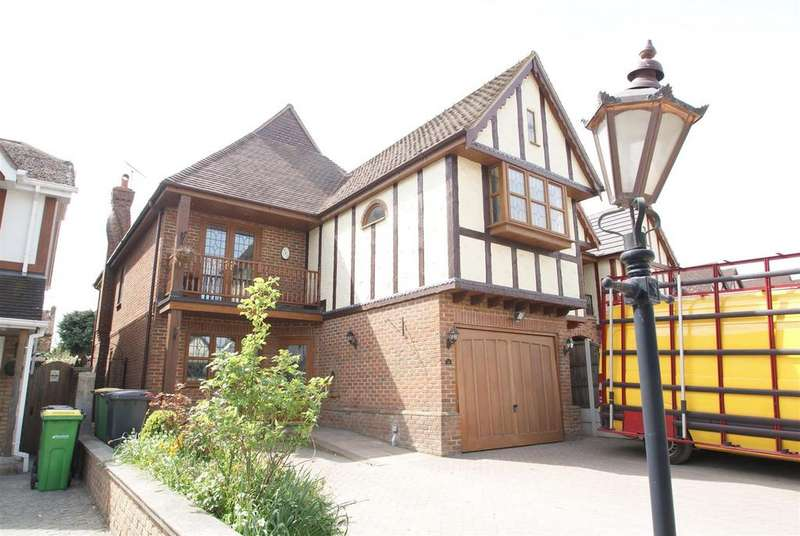 5 Bedrooms House for sale in Nore Road, Leigh-On-Sea