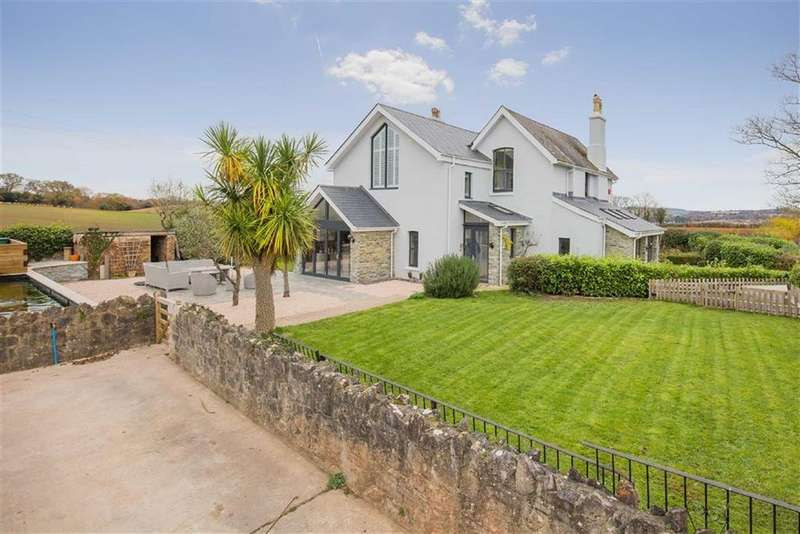 4 Bedrooms Detached House for sale in Priory Road, Abbotskerswell, Devon, TQ12