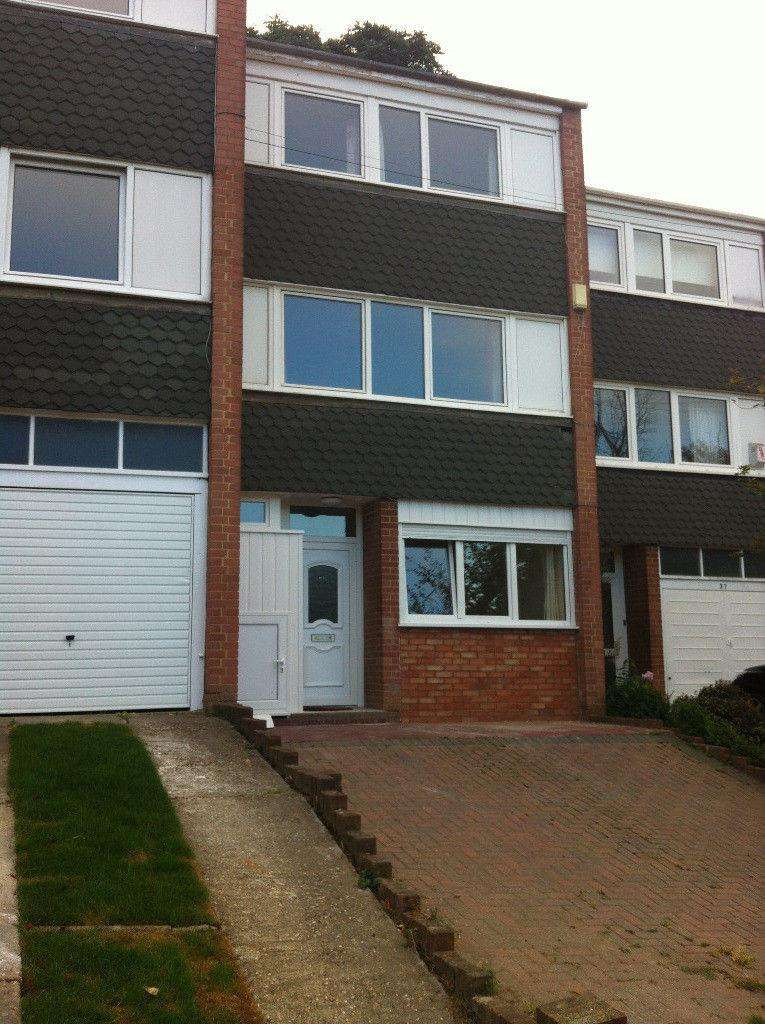 5 Bedrooms Terraced House for rent in Hillbrow Road