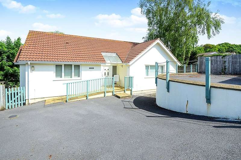 2 Bedrooms Detached Bungalow for sale in Pinewood Road, Newton Abbot, TQ12