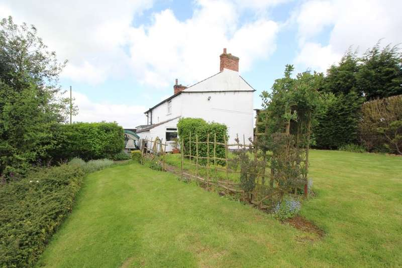 3 Bedrooms Detached House for sale in Torksey Lock, Lincoln, LN1