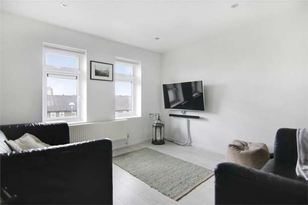 1 Bedroom Flat for sale in Browns Road, Walthamstow, London