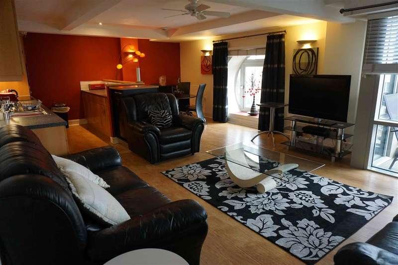 2 Bedrooms Flat for sale in Broderick Court, 97 Portland Crescent, Leeds