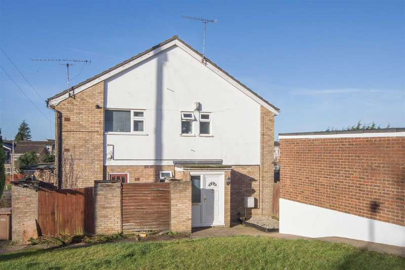 2 Bedrooms Flat for sale in Handcross Road, Luton
