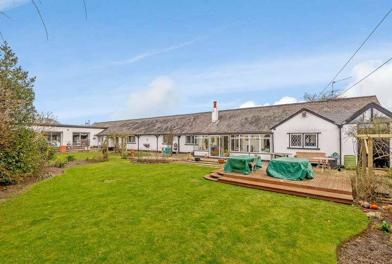 5 Bedrooms Detached Bungalow for sale in Lyne