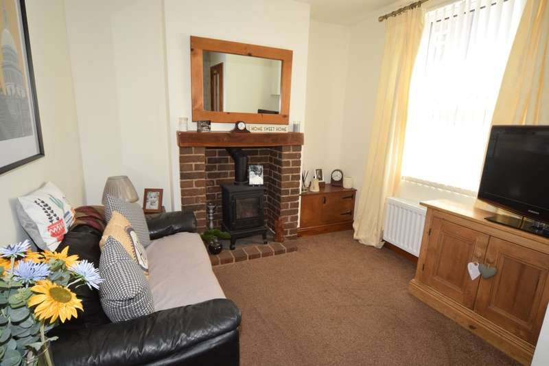 2 Bedrooms Terraced House for sale in Duncan Street, Barrow-in-Furness, Cumbria LA14 2NX