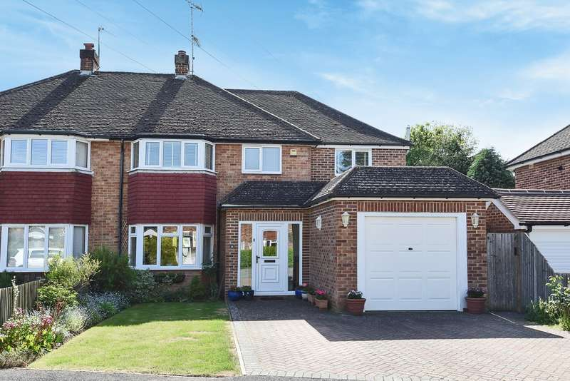 4 Bedrooms Semi Detached House for sale in Reeves Way, Wokingham, RG41