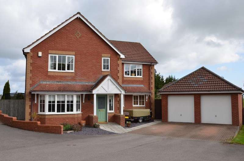 4 Bedrooms Detached House for sale in 3 ISSA FARM COURTYARD, BRYN Y BAAL, CH7