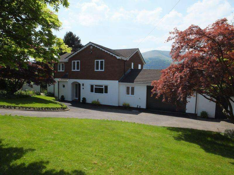 4 Bedrooms Detached House for sale in Monmouth Road, Abergavenny