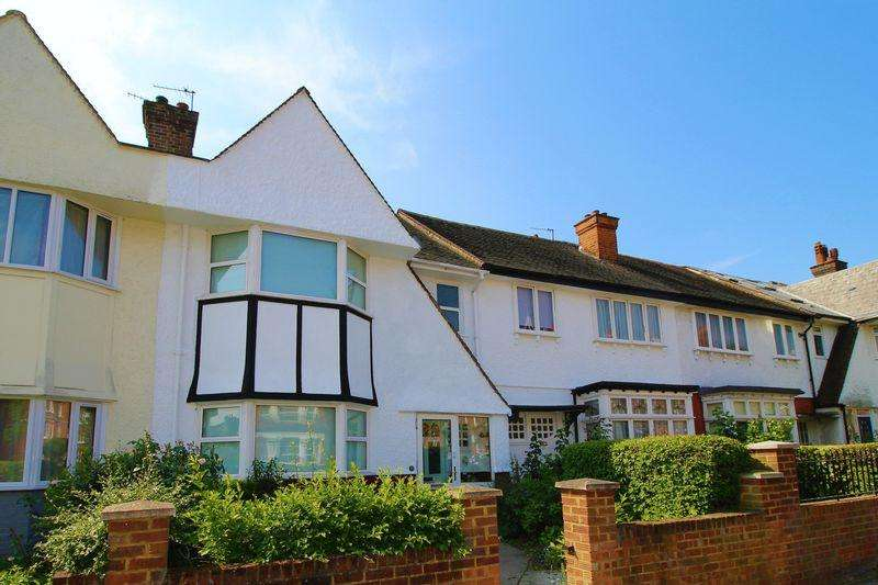 4 Bedrooms Terraced House for sale in Marius Road, Balham, SW17