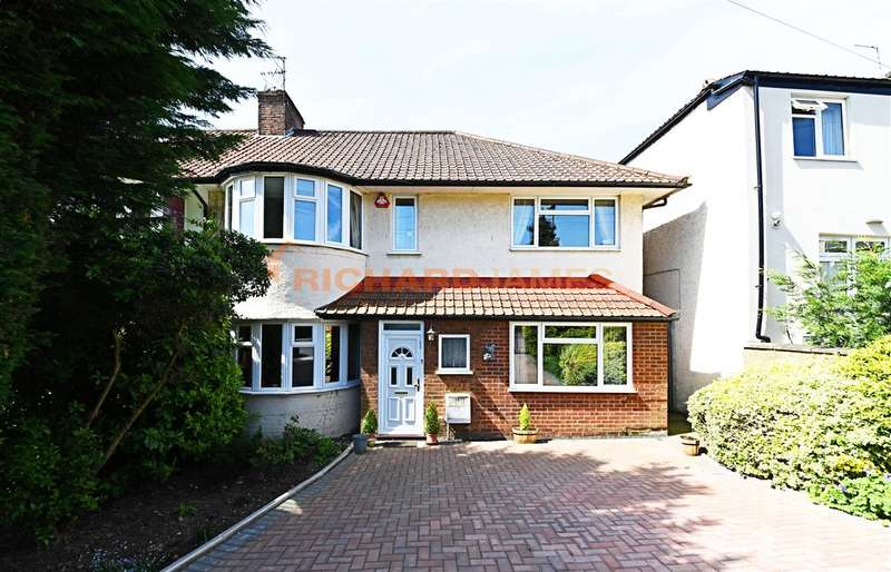 4 Bedrooms Semi Detached House for sale in Lawrence Avenue, Mill Hill