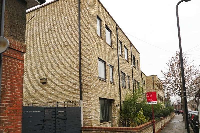 4 Bedrooms House for sale in Daubeney Road, London