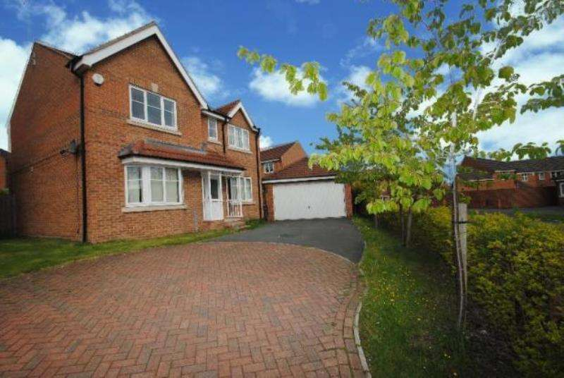 4 Bedrooms Detached House for rent in New Village Way, Churwell, Leeds, West Yorkshire, LS27 7BD