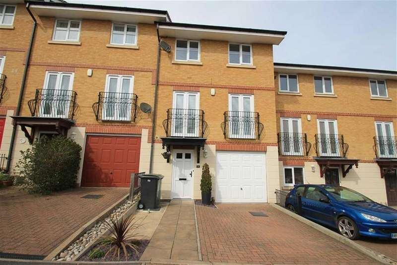 4 Bedrooms Terraced House for sale in Etchingham Drive, St Leonards-on-sea, East Sussex