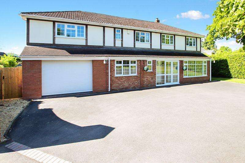 6 Bedrooms Detached House for sale in HAMPTON PARK