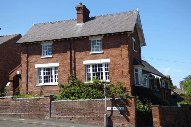 3 Bedrooms Terraced House for sale in St. Michaels Road, Louth, LN11