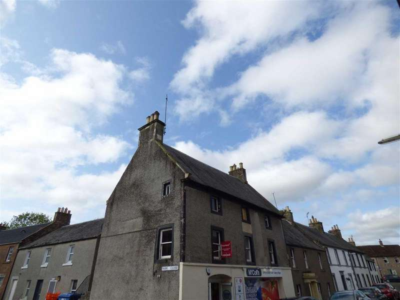 3 Bedrooms Flat for sale in Park Close, Strathmiglo