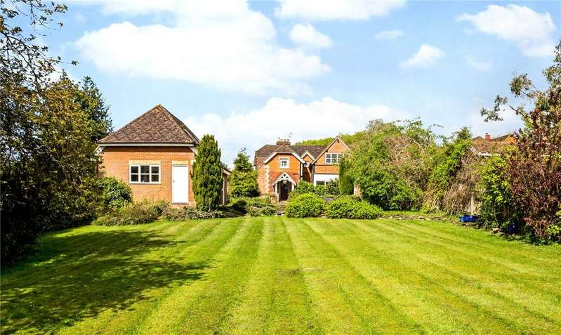 5 Bedrooms Detached House for sale in Hammersley Lane, Penn, Buckinghamshire, HP10