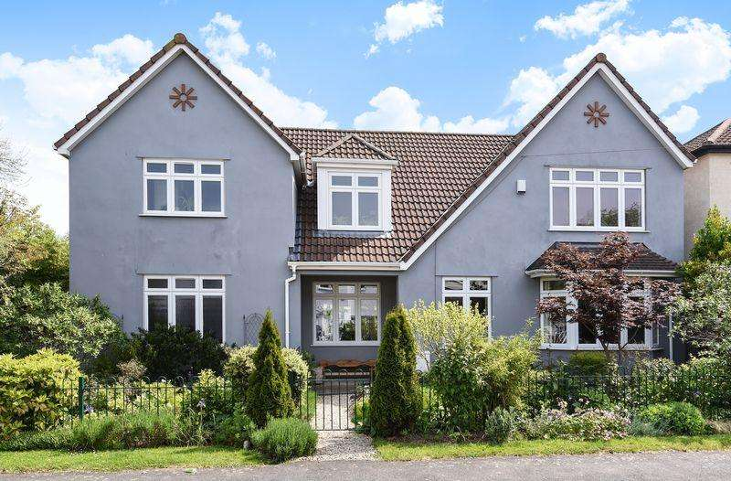 4 Bedrooms Detached House for sale in Abbey Road, Westbury on Trym