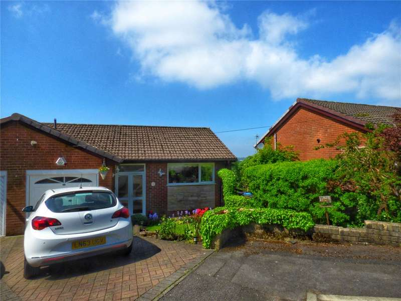 3 Bedrooms Semi Detached House for sale in Birks Avenue, Lees, Oldham, Greater Manchester, OL4