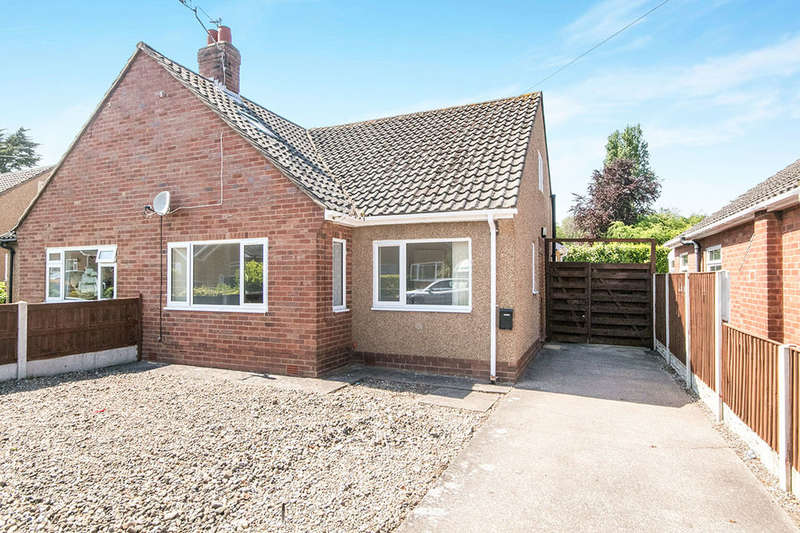 3 Bedrooms Semi Detached Bungalow for rent in Clifton Rise, Abergele, LL22