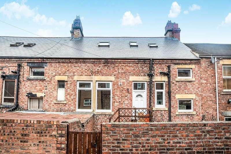 3 Bedrooms Flat for rent in Lyndhurst Terrace, Swalwell, Newcastle Upon Tyne, NE16