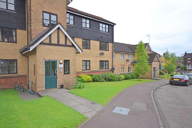 2 Bedrooms Apartment Flat for rent in Horn Book, Saffron Walden