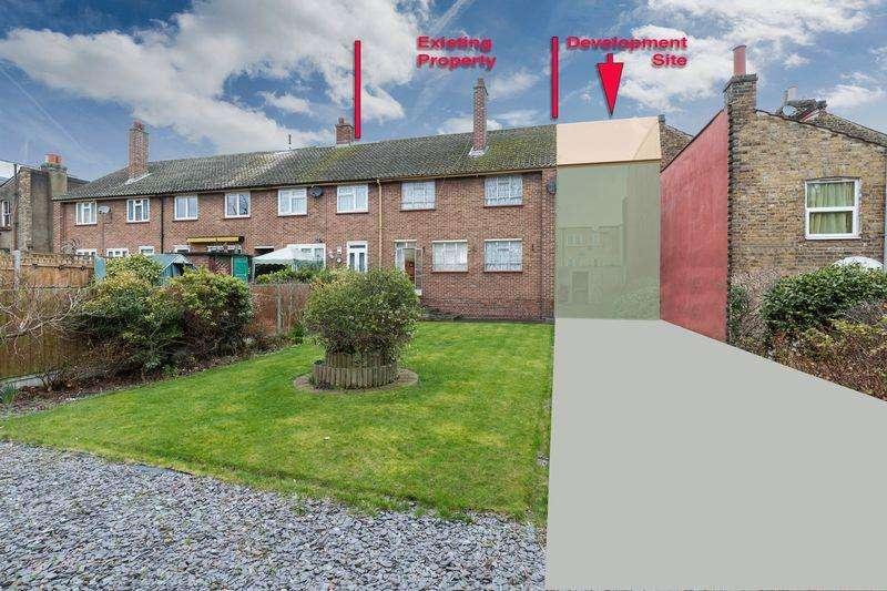 6 Bedrooms Semi Detached House for sale in Lockhurst Street, Hackney, E5