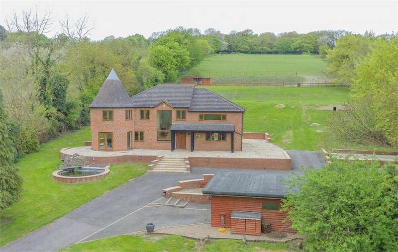 4 Bedrooms Detached House for sale in Fawkham, Kent