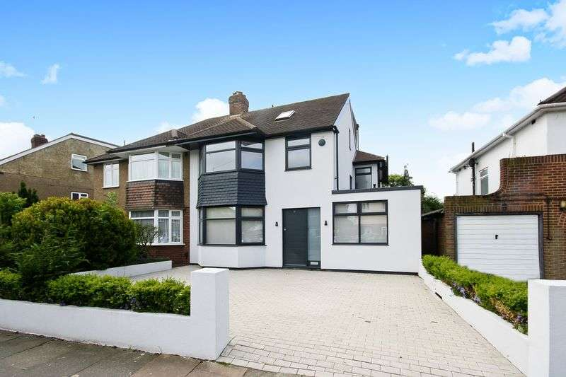 6 Bedrooms Property for sale in Tangmere Gardens, Northolt