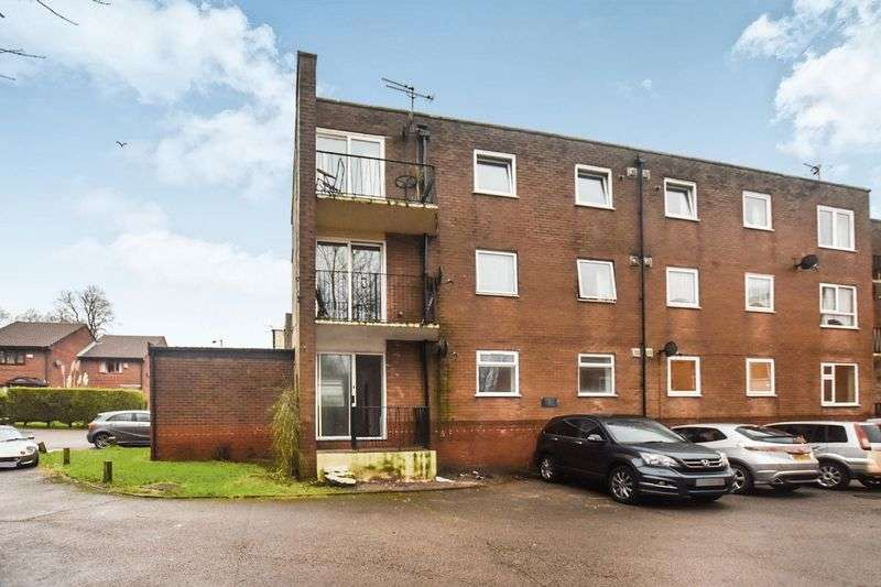 3 Bedrooms Property for sale in Hill View Court, Astley Bridge, Bolton