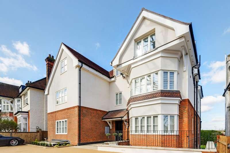 3 Bedrooms Flat for sale in Dollis Avenue, London