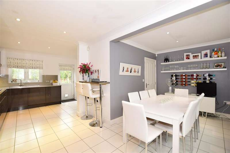 4 Bedrooms Detached House for sale in Pike Close, , Larkfield, Aylesford, Kent