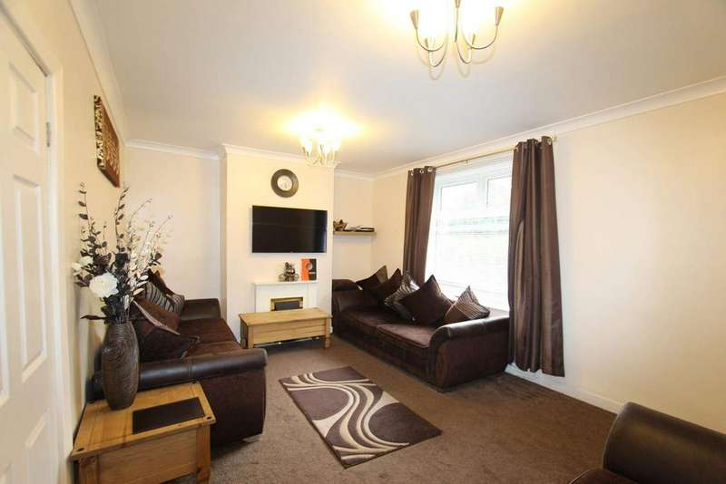 3 Bedrooms Semi Detached House for sale in Roch Mill Crescent