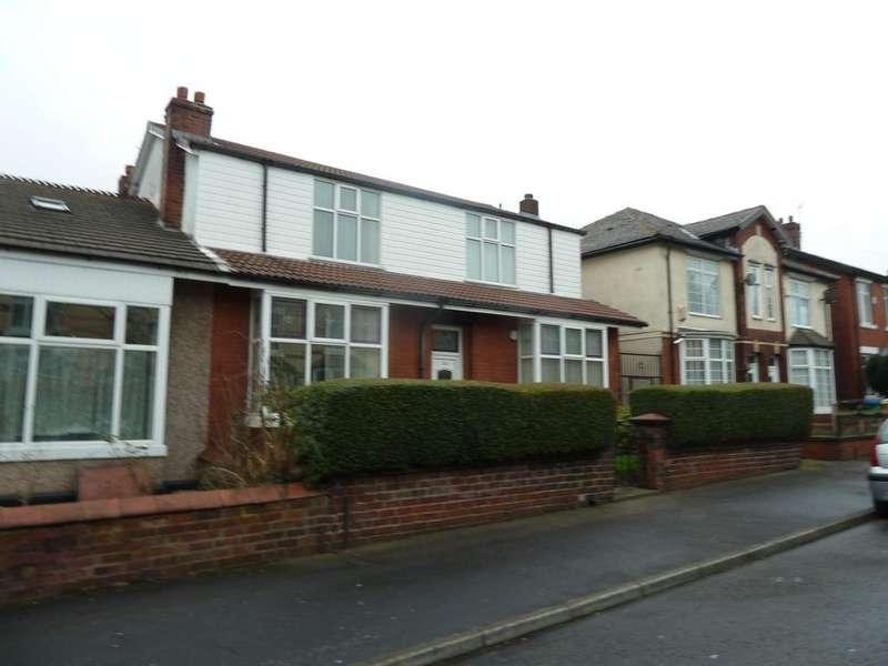 4 Bedrooms Semi Detached House for sale in Sparthfield Avenue, Deeplish, Rochdale