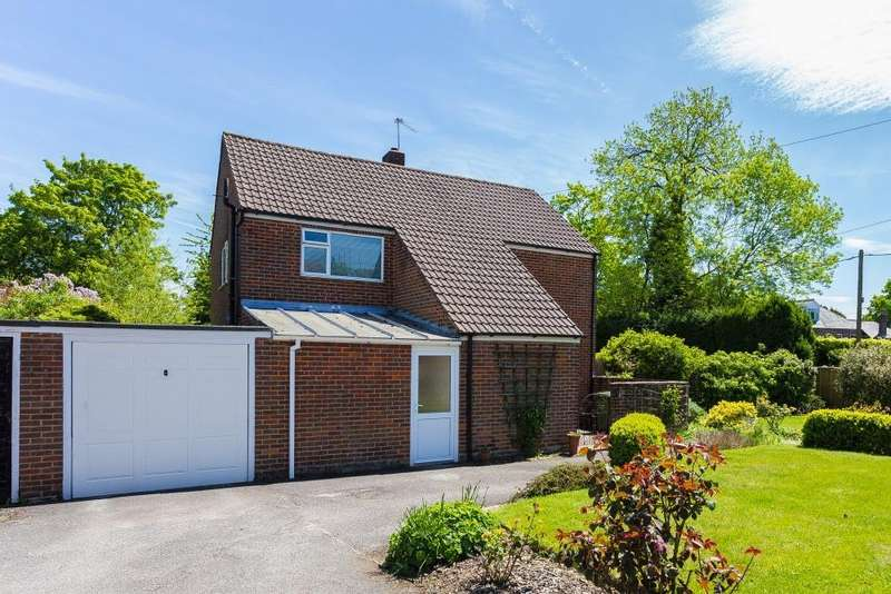 4 Bedrooms Detached House for sale in Crossway, Chesham