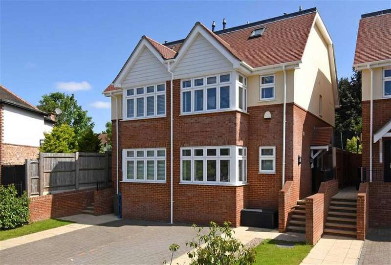 3 Bedrooms Semi Detached House for sale in Milverton Place, Bromley, Kent