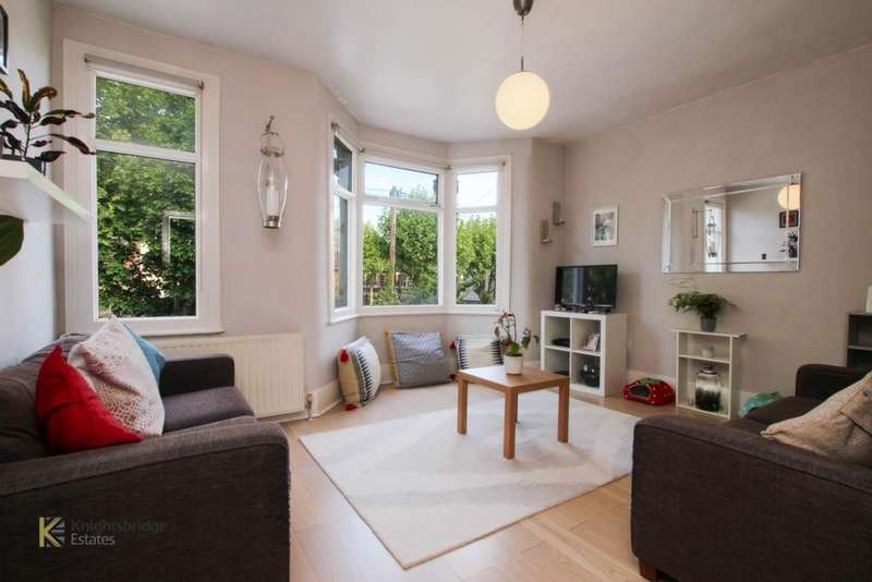 1 Bedroom Flat for sale in Credon Road, Plaistow, E13